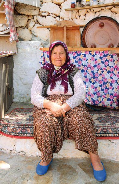 Lite har forandret seg i den klassiske fiskelandsbyen Kaleköy, bortsett fra at dagsturistene er blitt litt flere i tallet. Stemningen er fortsatt litt som den må ha vært før i tiden. Foto: Runar Larsen