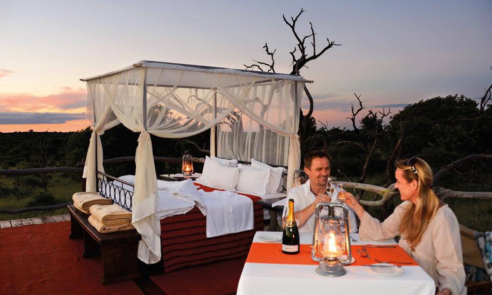 Man må ikke være på bryllupsreise for å nyte en romantisk natt under Afrikas endeløse stjernehimmel. Foto: Ronny Frimann