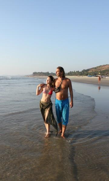 Det gode liv: Kjæresteparet Tibor Halmer og Valeria Yakovenko lever ut sin hippidrøm i Goa. Foto: Runar Larsen