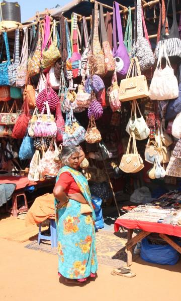 Trenger du et lite avbrekk fra stranden kan Goa by på massevis av fargerike marked. Foto: Runar Larsen