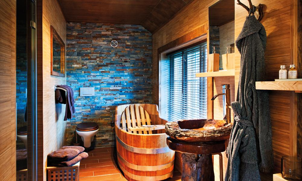 Nytelse for kropp og sjel på en av hotellets mest populære suiter. Foto: Marco Robeerts