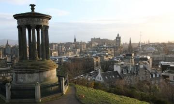 Det historiske sentrum av Edinburgh er fullstappet av arkitektoniske perler og spennende bygninger. Foto: Runar Larsen