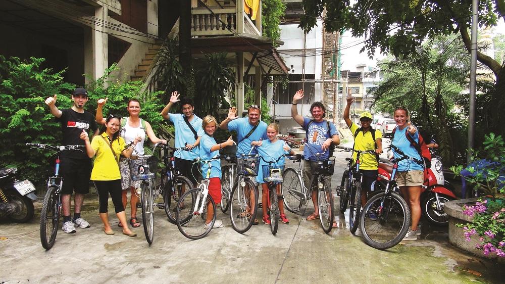 Sykkelgruppene er aldri for store, maks 12-15 personer er passe. Foto: Ronny Frimann