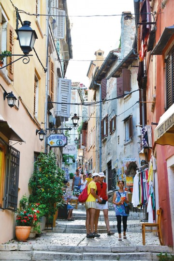 TRANGE SMUG: I gamlebyen på Istrias perle. Foto: Ronny Frimann