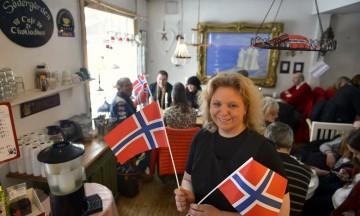 Louise Ohlén i Södergårdens Café gleder seg til Rättvik skal bli fullt av nordmenn under Ski-VM i nabobyen. Foto: Gjermund Glesnes