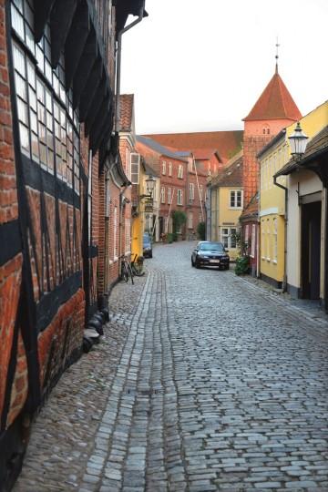 De trange gatene i Ribe levner ingen tvil om at byen er gammel. Foto: Gjermund Glesnes