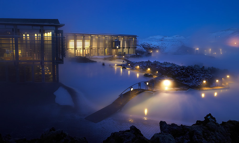 Den blå lagune er Islands største turistattraksjon, og et sted få turister besøker landet uten å ha sett. Foto: BLUE LAGOON