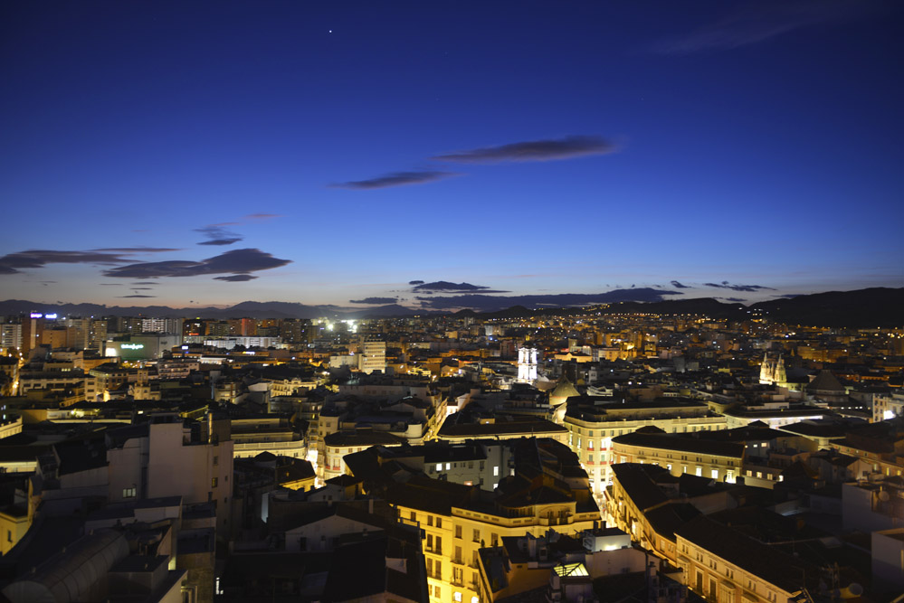 Málaga er Spanias femte største by, med nesten 600.000 innbyggere i selve byen og over en million hvis man inkluderer forstedene. Foto: Gjermund Glesnes