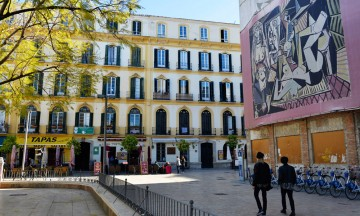 Plaza de la Merced er ikke bare flott. Den er også stedet hvor Pablo Picasso trådte sine første barnesko. Foto: Gjermund Glesnes