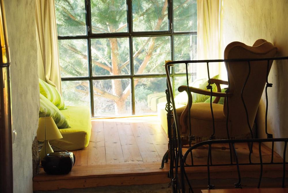 Kan du tenke deg et bedre sted å slappe av med en bok? Foto: Runar Larsen
