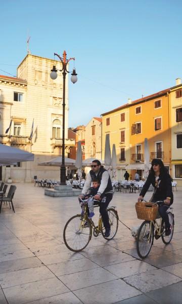 Zadar er en by det er verdt å utforske - og det kanskje på sykkel? Foto: Marte Veimo