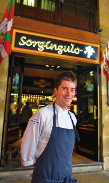 Hvis du virkelig vil smake pintxos utenom det vanlige, skal du dra til Sorginzulo hvor kokken Iñaki Lazkano tryller frem originale oppskrifter - og har vunnet kåringen Bilbaos beste. Foto: Gjermund Glesnes