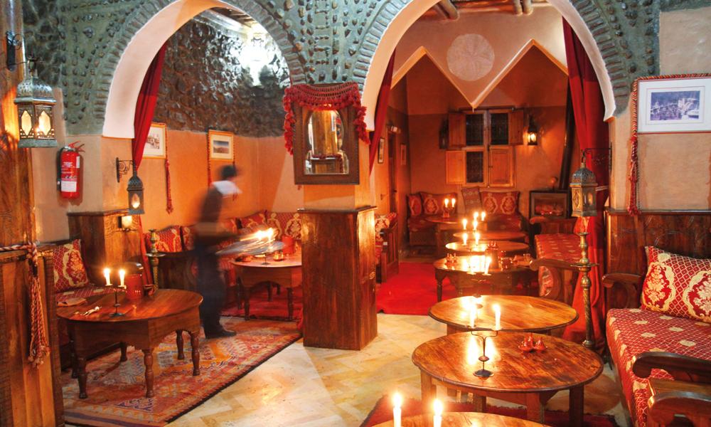 Ruvende utsikt, lekkert interiør. Kasbah du Toubkal er hotellovernatting for den kresne. Foto: Runar Larsen