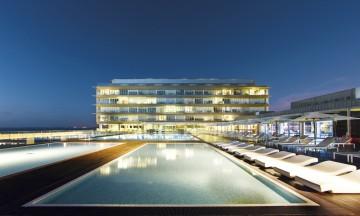 Paraforferie kan være mangfoldig – her fra et splitter moderne hotell i Cadiz. Foto: Paradores de Turismo de Espania