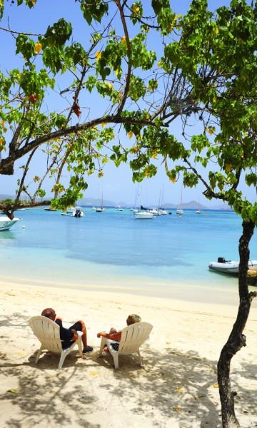 St. John er øya med minst folk, men har likevel byen med best shopping og kafeer. Om du ikke bor her, så kom ihvertfall på en dagstur. Foto: Torild Moland