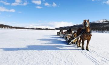 På forbondetur befinner man seg i et vakkert vintereventyr, omringet av flott landskap så langt øyet kan se. Foto: Ida Anett Danielsen