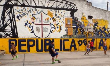 Buenos Aieres er en fotballgal by, og i La Boca er Diego Maradona selve guden. Foto: Ann Kristin Balto / Testpanelet