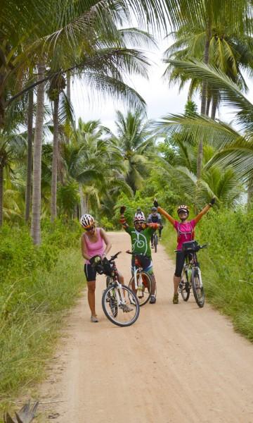 Det populære feriestedet Hua Hin er utgangspunkt for vår fire dager og 240 kilometer lange tur nedover Thailands kyst. Foto: Mari Bareksten