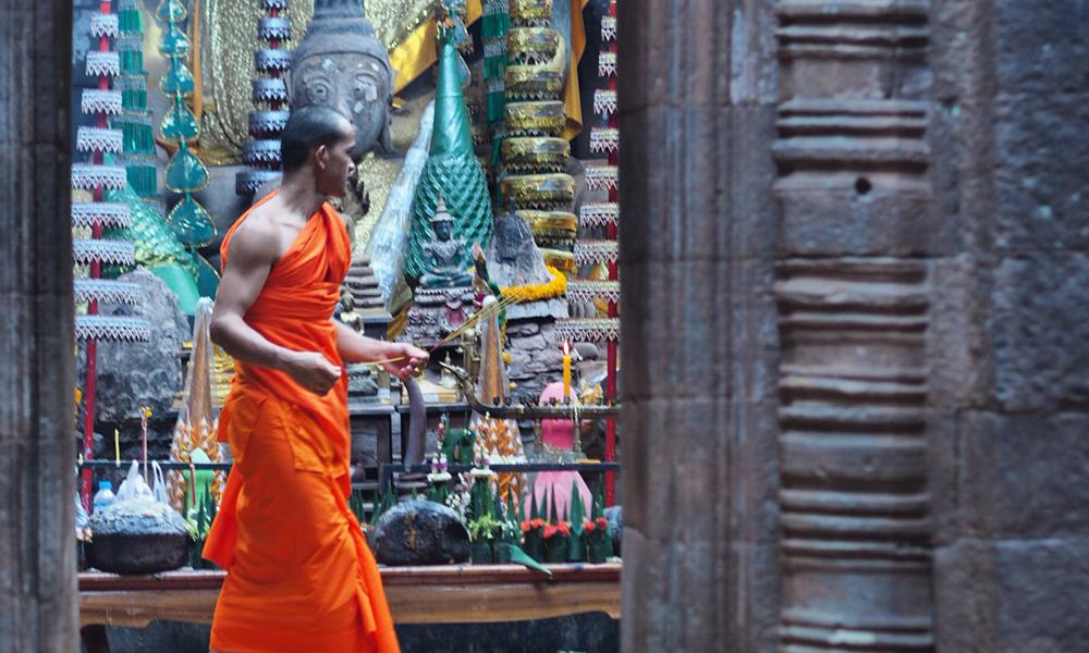 Munk i Vat Phou tempelet.
