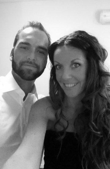 Lise Stang-Jabobsen (35) og Thomas Stang (33) gleder seg til å dra på en etterlengtet bryllupsreise. Foto: Privat