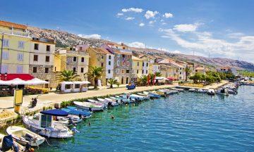 Pag er en av Dalmatiakystens mest populære ferieøyer –og saltet som fraktes inn av nordavinden har til alle tider vært øyas gull. Foto: iStock