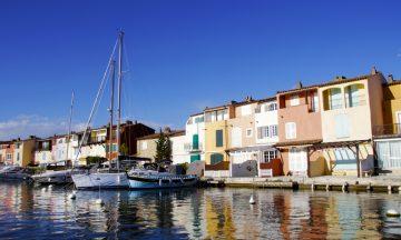 Port Grimaud er Frankrikes svar på Kardemomme by – fargerike hus og koselige gågater. Foto: Kjersti Vangerud