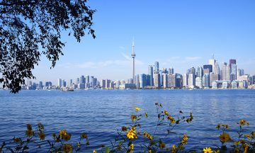 Den beste utsikten til Torontos imponerende skyline er fra Toronto Island – en liten øygruppe som ligger en kort fergetur unna sentrum. Foto: Mari Bareksten