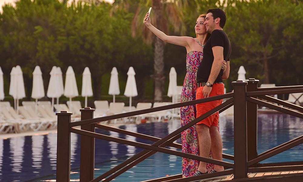 Dette er ikke ferien du strammer inn livreima. Har du først betalt for det – så nyt det! Foto: Torild Moland