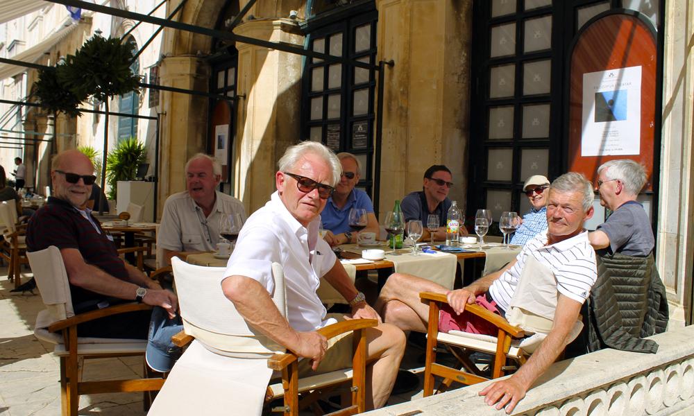 Hvert år drar Viggo Brendengen på vårtur sammen med sine gamle studiekamerater, og gjengen angrer ikke på at årets tur ble lagt til Dubrovnik. Foto: Ida Anett Danielsen