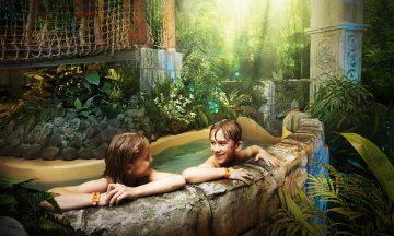 Örebro er barnevennlig og full av morsomme aktiviteter –som badelandet Lost City med Sveriges lengste badesklie. Foto: Lost City