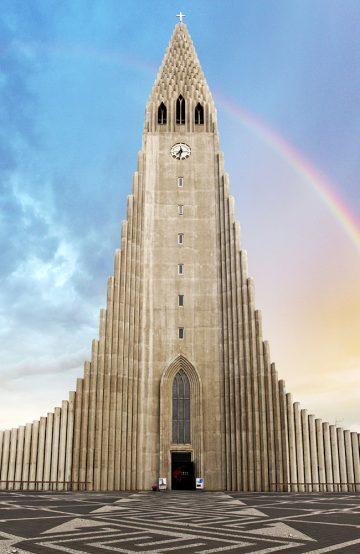 lslands største kirke tok 38 år å bygge, men Hallgrimskirkja er virkelig et syn der den rager 74,5 meter opp fra bakken på en høyde over sentrum. Foto: iStock