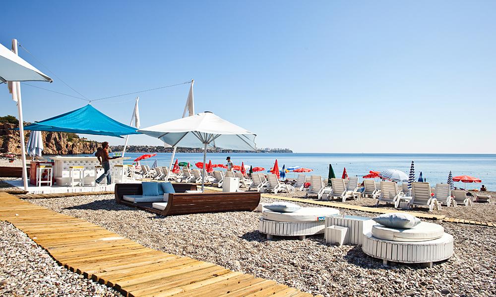 Side er en rolig og koselig havneby – med ledige hotellrom. Her får du mye for pengene. Foto: Joachim Borén/Ving