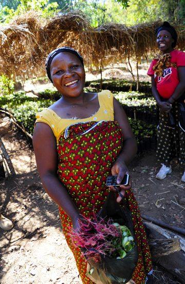 Msumbi lager etisk kaffe, som vil si at den både er god for helsa og for sjela - alle som jobber på kaffefarmen har ordentlige lønninger og arbeidsforhold. Foto: Torild Moland