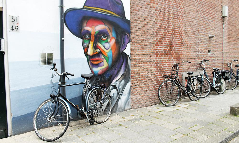 To veldig typiske kjennetegn på Rotterdam – gatekunst og sykkel. Foto: Ida Anett Danielsen