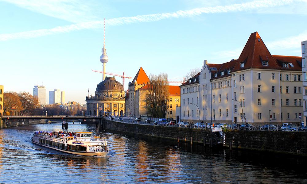 Berlin er ikke bare julemarkeder, også resten av byen viser seg fra sin vakreste side i desember. Foto: Ida Anett Danielsen