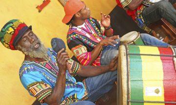 Bob Marley lever videre i form av reggaemusikk, og et besøk til Jamaica er ikke komplett uten en tur til hans fødested i Nine Mile Village. Foto: Runar Larsen
