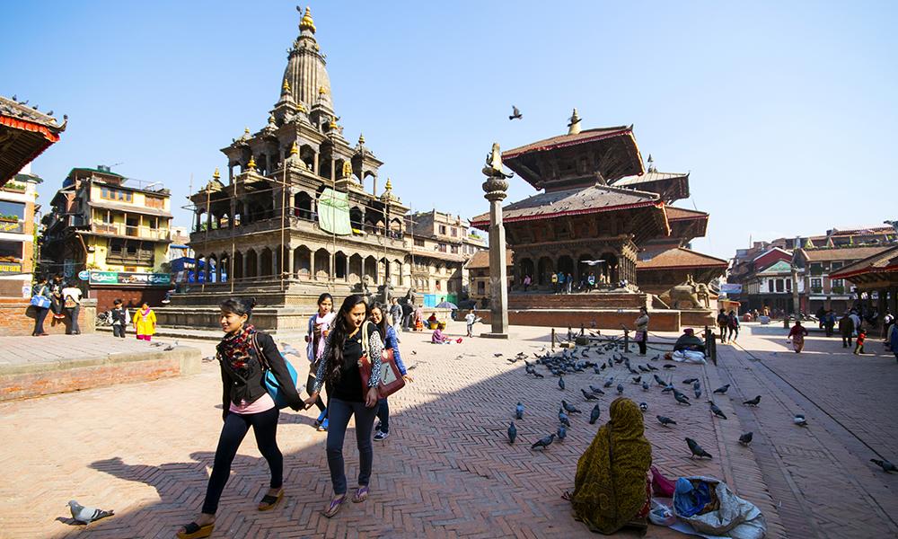 Jordskjelvet som rammet Nepal 25. april 2015 skadet flere religiøse monumenter og verdensarvsteder. Men selv etter jordskjelvet føles det litt som å gå rundt i et stort utendørs museum. Dette bildet er tatt før jordskjelvet inntraff. Foto: Mari Bareksten