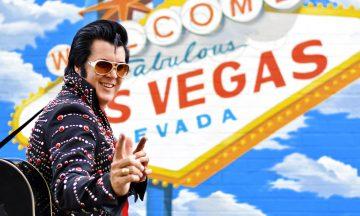 """KING OF ROCK N'ROLL: Elvis og Las Vegas har lang historie. """"The King Of Rock n'Roll"""" spilte 636 konserter på Las Vegas Hilton mellom 1969 og 1976. I dag kan du få imitatorer til å vie deg! Foto: Mari Bareksten"""