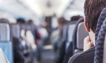 Flypassasjeretikette er viktig – det gjør flyturen hyggeligere både for deg og de rundt deg. Foto: Pexels