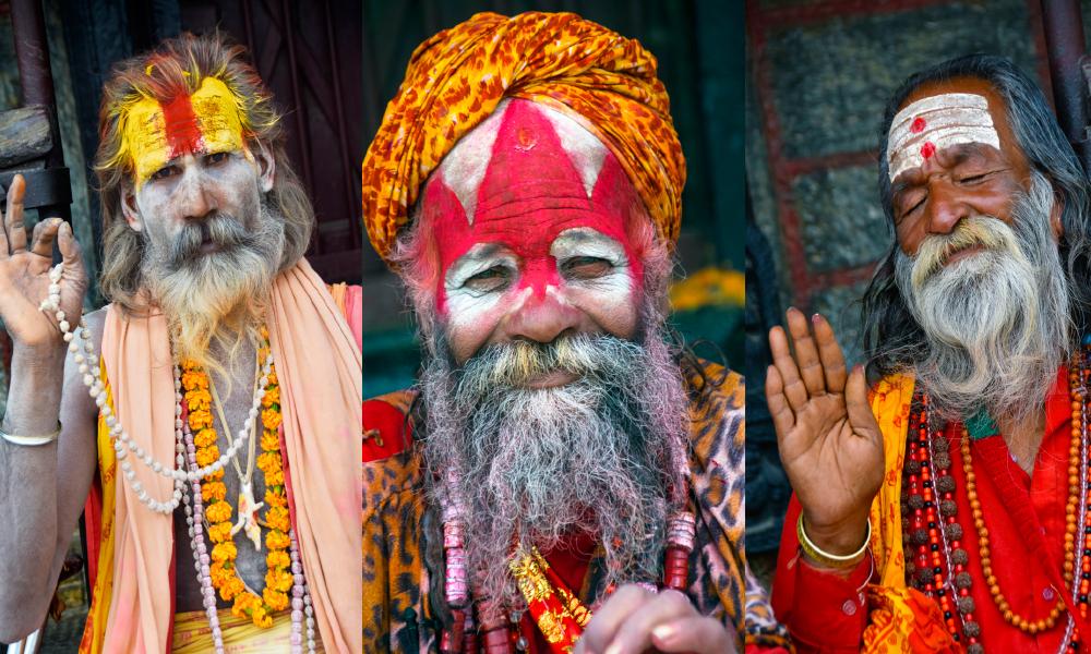 Sadhuer er hellige menn som har gitt opp sine verdslige liv og som kun lever av almisser. Mange sitter ved det hinduistiske tempelet Pashupatinath. Foto: Mari Bareksten