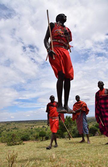 Bli med og hopp med masaiene! Foto: Mari Bareksten
