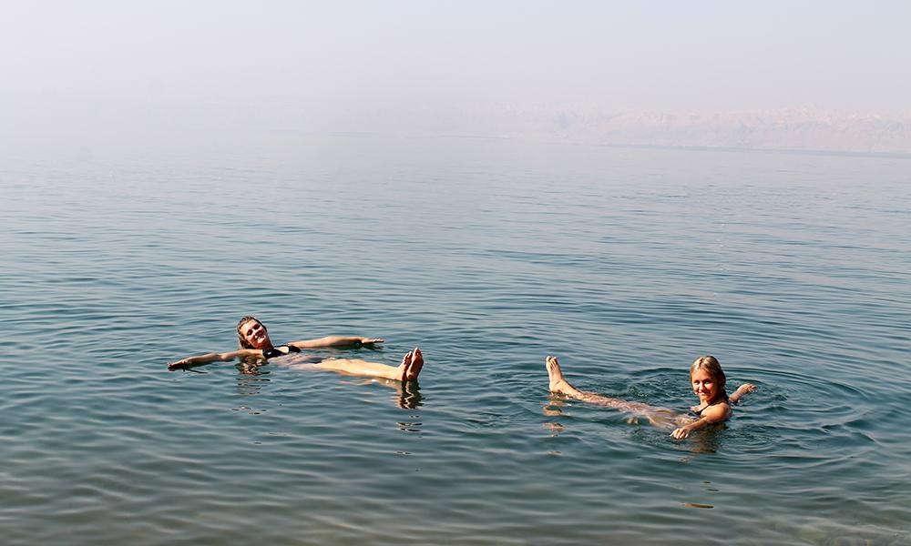 En dupp i Dødehavet er godt for både kropp og sjel! Foto: Ida Anett Danielsen