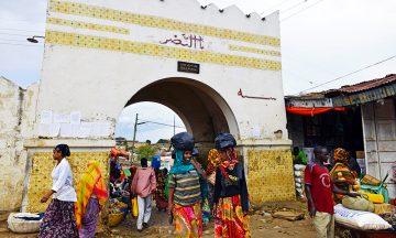Shoa-porten er den mest karakteristiske av Harars seks byporter. Opprinnelig var der fem – en for hver av Islams fem søyler. Foto: Gjermund Glesnes