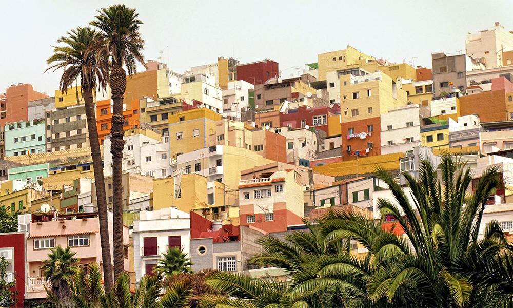 Øyhovedstaden er en miks av historisk og moderne, med ekte, spansk storbyfølelse. Foto: iStock