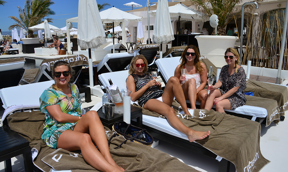 Puro Beach var en av de første trendy beach klubbene som åpnet på Mallorca, og holder fortsatt stand. Foto: Torild Moland