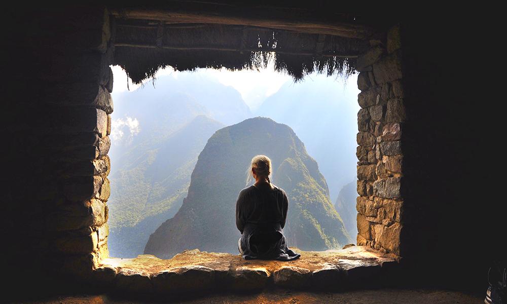 Morgenlyset skaper en magisk stemning i Machu Picchu, hvorfra utsikten over Urumbambadalen er enorm. Foto: Ingrid Holtan Søbstad