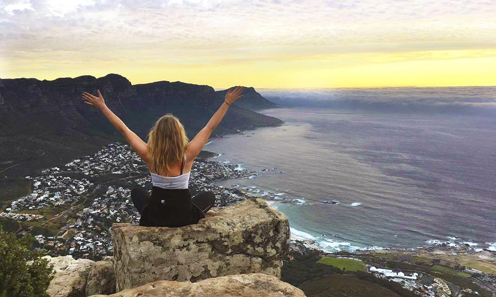 Hele verden ligger for dine føtter – kanskje spesielt om man reiser alene og kan dra akkurat dit man vil. Foto: Emilie Nymann