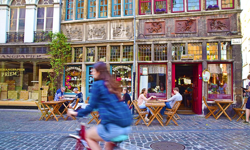 Sjarmerende, fargerik og rik på historie. Et besøk til Belgia er ikke komplett før du har besøkt Gent. Foto: Mari Bareksten