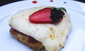 SÅ ENKELT: Så flott – og godt! Toast med camembert. Mmmmm. Foto: Todo Pintxos