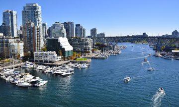Vancouver er omkranset av hav på nesten alle kanter, og har en lang kystlinje. Sjøbussene er et smart transportmiddel. Foto: Mari Bareksten